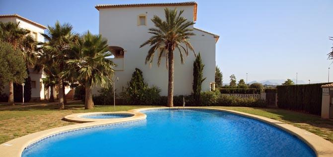 casas con piscina