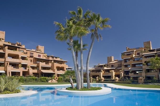 Exclusividad a orillas del mediterr neo apartamentos de - Casas en la costa del sol ...