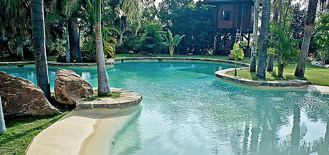 Exclusividad y sue os bajo el agua piscinas de lujo for Sonar con piscina